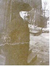 Pastori Arthur Leopold Heideman kuvattuna 1920-luvulla Yhdysvalloissa